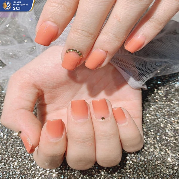 nail ombre cam nude